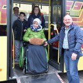 Magdalena Mönigs Herzenswunsch ging Erfüllung, sie ist noch einmal mit dem Schulbus gefahren.