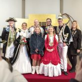 Die Narren der Herner Karnevalsgesellschaft (HeKaGe) stürmen am Donnerstag (28.02.2019) das Rathaus in Herne (NW) und entwenden Oberbürgermeister Dr. Frank Dudda den Rathausschlüssel.