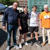 v.l. Jürgen Schubert (Geschäftsfürer HEV), Nils Liesegang (Spieler HEV), Frank Dudda, Heinz Huschenbeth (Herner Tafel).