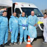Das Team der  Firma HospiTrans führt am Testzentrum auf dem Cranger Kirmes Platz schnell und kompetent die Bürgertests durch.