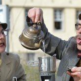 Lord und Lady Linvingstone bei der Eröffnung der Sonderausstellung - Its Tea-Time - im Schloss Strünkede.