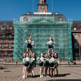 BTC Cheerleader vor dem Rathaus.