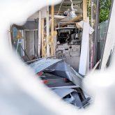 Die zerstörte SB-Geschäftsstelle Constantin der Sparkasse in Herne (NW), am Sonntag (13.06.2021). Zwei bislang unbekannte Täter hatten um 3.07 Uhr  versucht, durch eine Sprengung des Geldautomaten, Beute zu machen. Sie konnten trotz einer sofort eingeleiteten Fahndung der Polizei, mit Hilfe eines Polizeihubschraubers, unerkannt vom Tatort flüchten. Laut Polizeiangaben flogen durch die Wucht der Detonation Trümmerteile bis zu 50 m weit, parkende Autos und ein Haus in der Umgebung wurden durch Splitter beschädigt. Personen wurden zum Glück nicht verletzt.