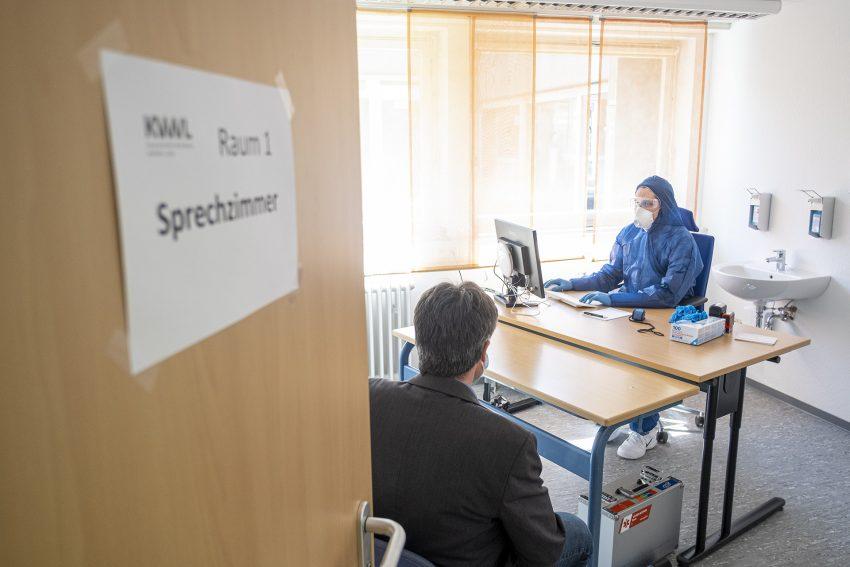 Das Corona-Behandlungszentrum in Herne (NW), der Kassenärztlichen Vereinigung Westfalen-Lippe, hat am Mittwoch (15.04.2020) eröffnet.