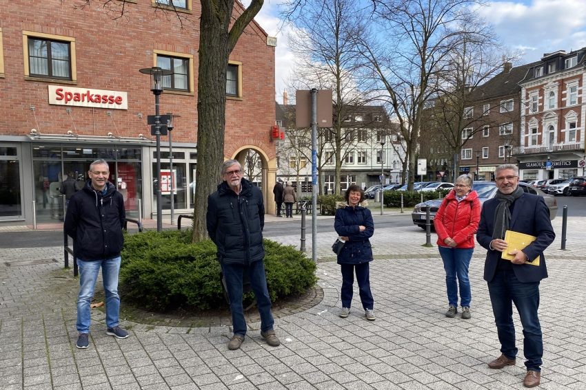 v.l. Thilo Segupta, Willibald Wiesinger, Ruth Gehrt, Frau Send und Adi Plickert.