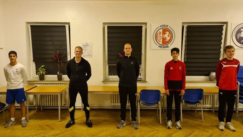Fünf neue Schiedsrichter in Herne/Castrop-Rauxel: (v.l.) Alessandro Bussi, Mike Matthias, JanEike Pohl, Kassim Azmou und Bente Mats Helling.