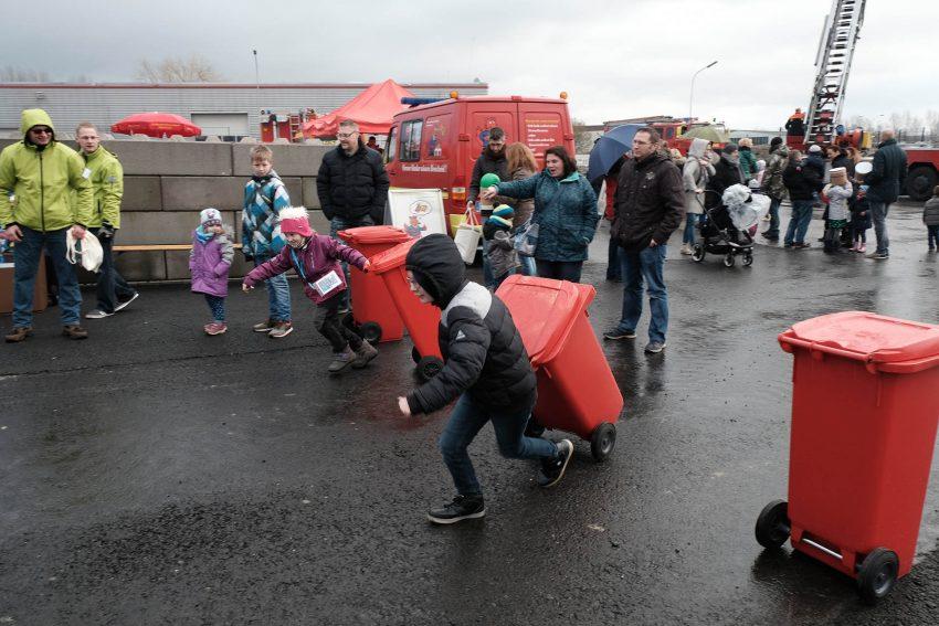 Mülltonnen-Rallye beim Erlebnistag bei der entsorgung herne.