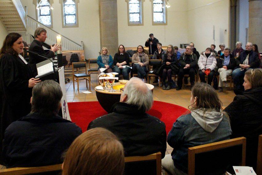 Laut- und Leisegottesdienst in der Kreuzkirche.