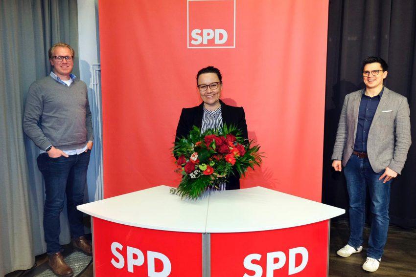 Bundestagsabgeordnete Michelle Müntefering, im Bild mit Hendrik Bollmann und Alexander Vogt, wurde mit 89 Prozent auf der Wahlkreiskonferenz im März 2021 für den Wahlkreis Herne/Bochum II erneut als Kandidatin für den Bundestag aufgestellt.