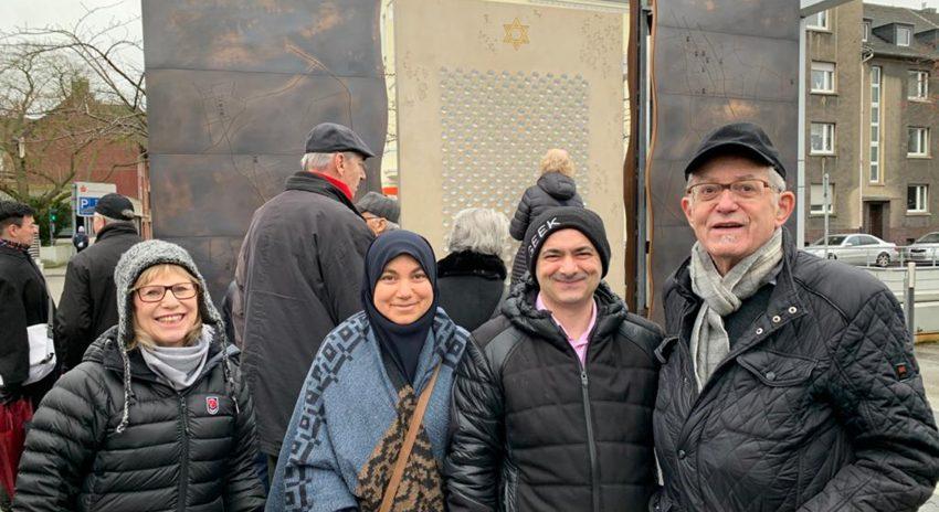 v.r. Aaron Naor, Vorbeter der jüdischen Gemeinde Bochum – Herne –Hattingen, Tuncay Nazik, Vorstandsmitglied der islamischen Gemeinde Herne- Röhlinghausen und die Ehefrauen.