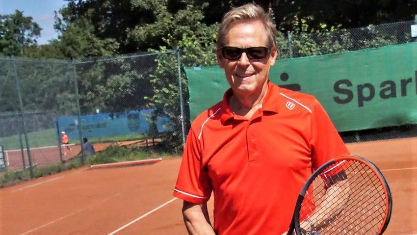 Tennisspieler Bernd Lichtner vom Emschertaler TC gewann den Grafs-Cup in Bochum bei den Herren 70.