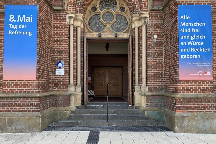Kreuzkirche: Aktion zum 8. Mai, dem Tag der Befreiung von der Naziherrschaft.