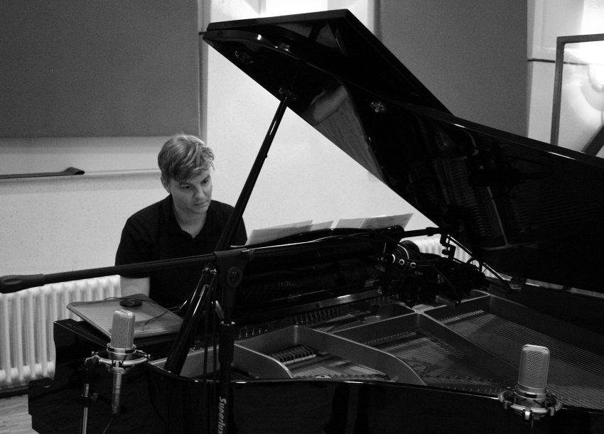 Underground Jazz, am Piano Oliver Schroer
