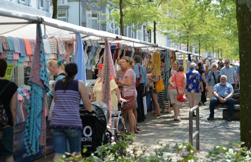 Stoffmarkt in der Herner Innenstadt.