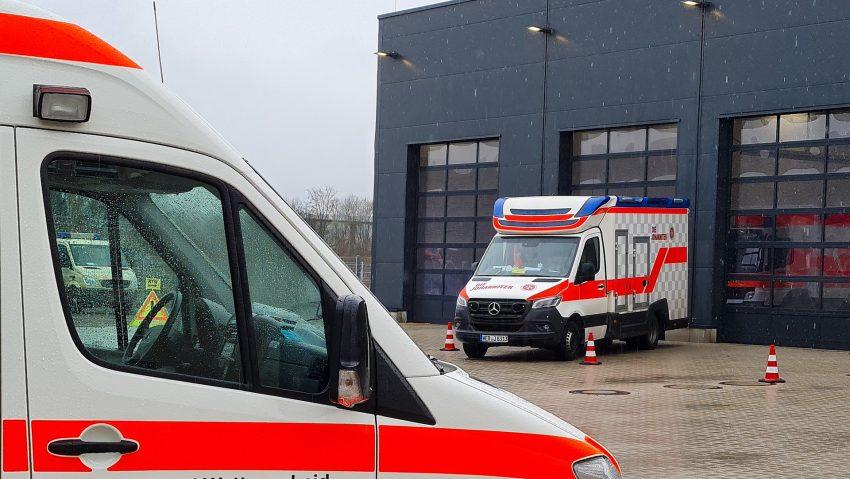 Symbolbilder Rettungswagen Krankenwagen.