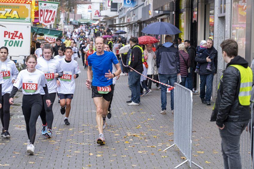 Der 17. Herner St. Martini City-Lauf in der Innenstadt von Herne (NW), am Samstag (02.11.2019).