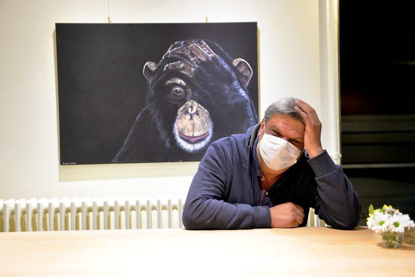 Der Wirt der Hülsmann-Kneipe in Eickels: Sabedin Houssein Oglou 'Sabby' wartet auf seine Gäste.