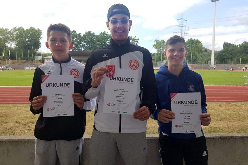 v.l. Ben Hagedorn, Paul Schwider, Joel Cetra im Juli 2019 bei den Leichtathletik-Westfalenmeisterschaften in Wattenscheid.