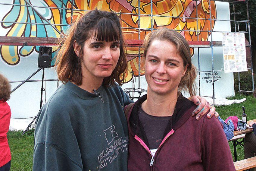 Die Künstlerinnen Machela Liefeldt (Südafrika) und Ursula Meyer (Deutschland/ Argentinien.