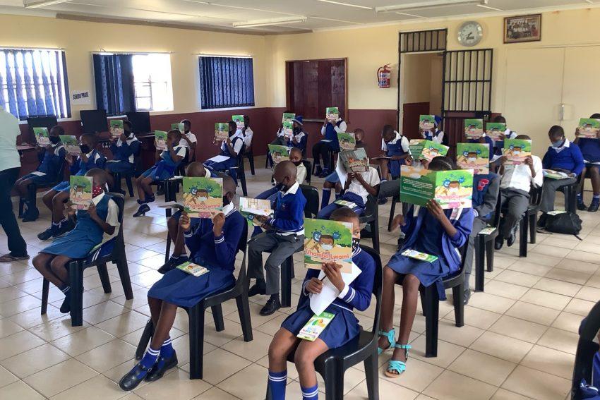Die erste Auflage des Corona-Malbuchs fand in den südafrikanischen Schulen großen Zuspruch. Es ist das erste Aufklärungsbuch für Kinder in der Stammessprache isiZulu.