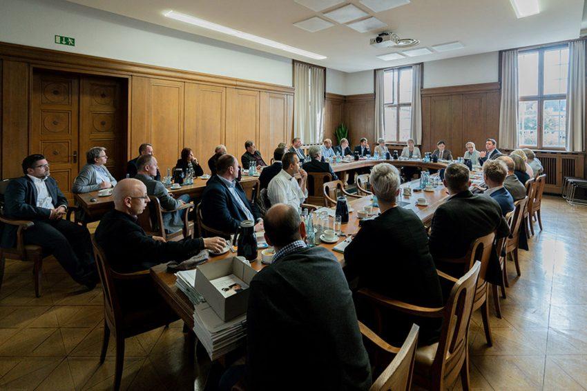 Das Herner Bündnis für Arbeit ragte im Rathaus Herne.