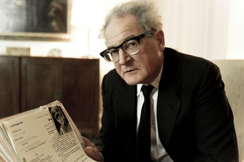 Burghart Klaußner beeindruckt in der Titelrolle des unerschrockenen Generalstaatsanwalts Fritz Bauer.