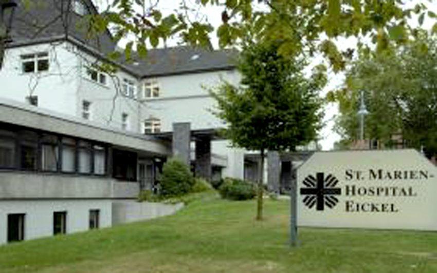 beim Forum im Marienhospital Eickel, Marienstraße, werden Landschaftaufnahmen gezeigt.