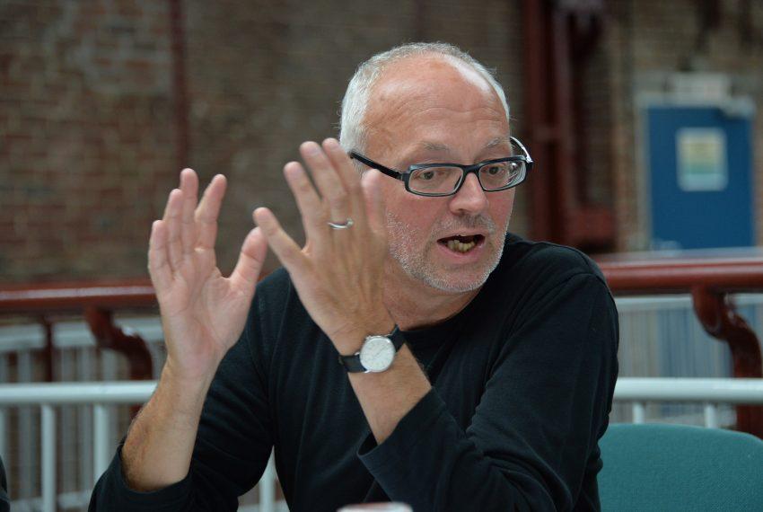 Eckart Waage beim Pressegespräche zum Offstream-Festival -Blaues Rauschen.