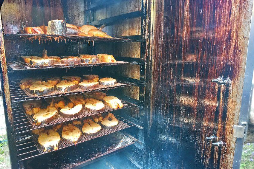 Geräucherte Forellen im Ofen.