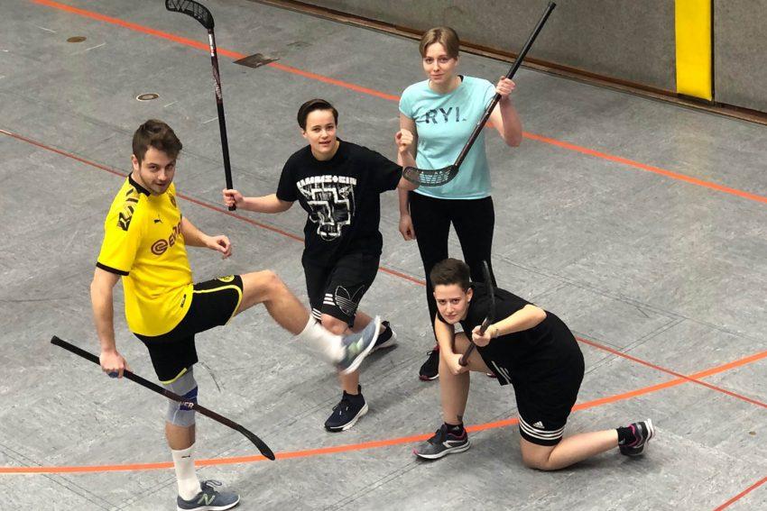 Sporttag der Emschertal Berufskollegs: Uni-Hockey-Turnier