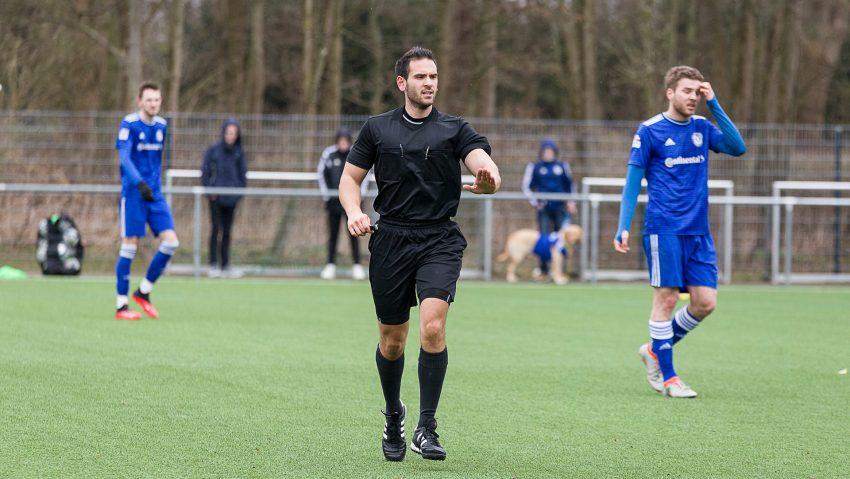 Schiedsrichter Leonidas Exuzidis steigt zur neuen Saison 2020/2021 in die Regionalliga auf.