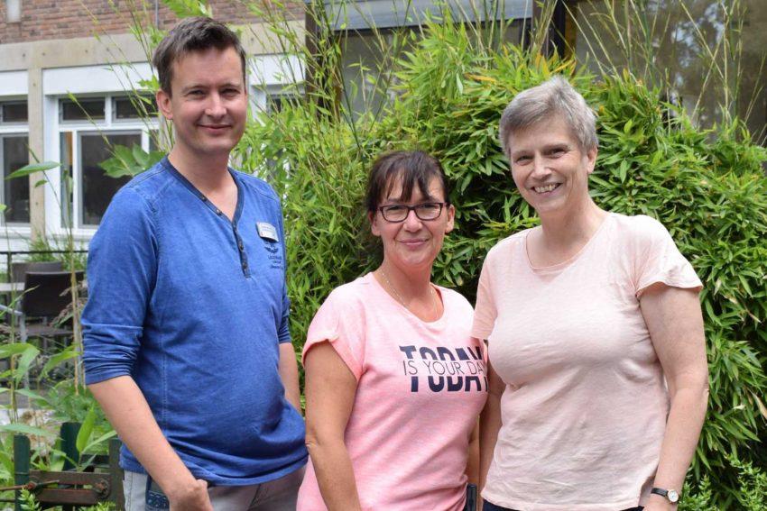 Diabetes-Plus: v.l. Volker Mauck (Bereichsleitender Oberarzt), Sandra Schäfer (Stationsleitung) und Kinder- und Jugendärztin Dr. med. Dörte Hilgard zusammen.