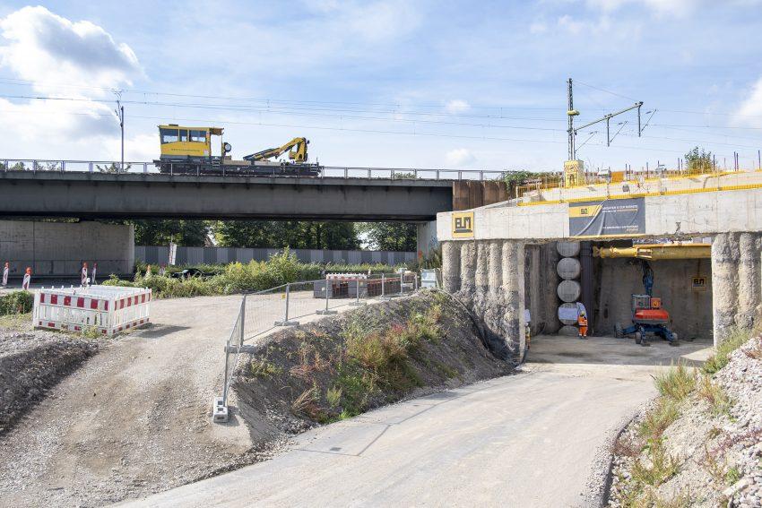 Start für den Tunnelvortrieb im Autobahnkreuz in Herne (NW), am Montag (13.09.2021). Der rund 60 Meter lange Tunnel ist Bestandteil der künftigen Abbiegespur von der A43 aus Wuppertal kommend auf die A42 in Fahrtrichtung Duisburg.