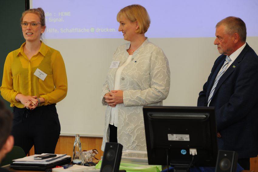 v.L. Pia Schulte, Kirsten Eink und Peter Wahl, Landesvorsitzender der Europa Union NRW: