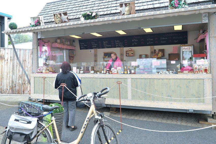 Kirmes-Süßwaren gibt es bei Franziska Meeß an der Resser Straße.