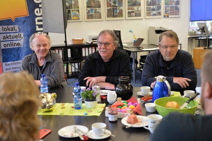 v.l. Rainer Koslowski, Gerd Linke, Wolfgang Berke - beim halloherne-Frühstück,.