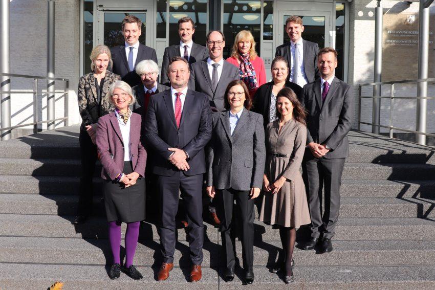 Eine Delegation ungarischer Verwaltungsrichterinnen und Verwaltungsrichter des Landgerichts Budapest besuchte das Oberverwaltungsgericht (OVG) in Münster.