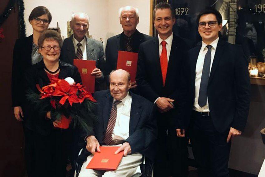 Hintere Reihe v.l.: Sarah Philipp, Willi Hesse, Hans Wardin, Kai Gera und Alexander VogtVordere Reihe v.l. : Andrea Scholz und Horst Nierle