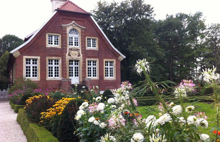Das Haus Rüschhaus ist ein Landsitz im Stadtteil Nienberge im westfälischen Münster. Barocker Landsitz und Dichterinnenschneckenhaus von Annette von Droste Hülshoff..