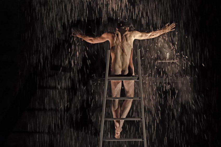 Steven Scharf als Judas.