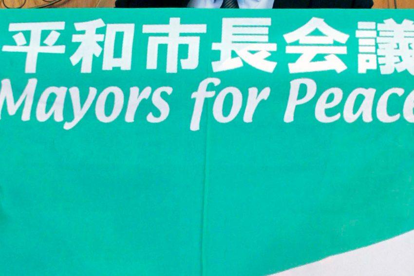 Flagge der Bürgermeister für den Frieden.