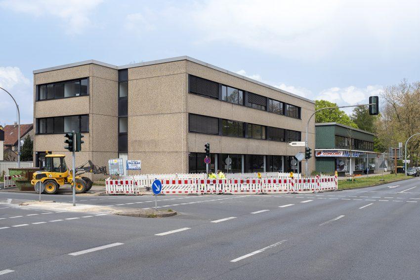 Die Geschäftshäuser am Westring 123 - 125 in Herne (NW), am Donnerstag (29.04.2021). Die Gebäude sollen zu einer Zahnklink umgebaut werden.