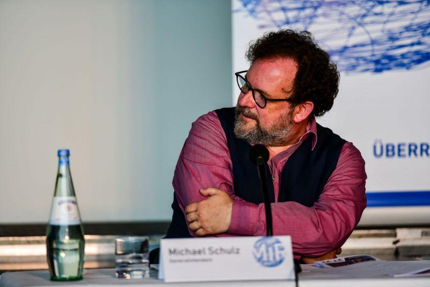 MiR-Intendant Michael Schulz verspricht eine prall gefüllte, abwechslungsreiche Spielzeit 2021/22 auch unter wahrscheinlich anhaltenden Corona-Einschränkungen.