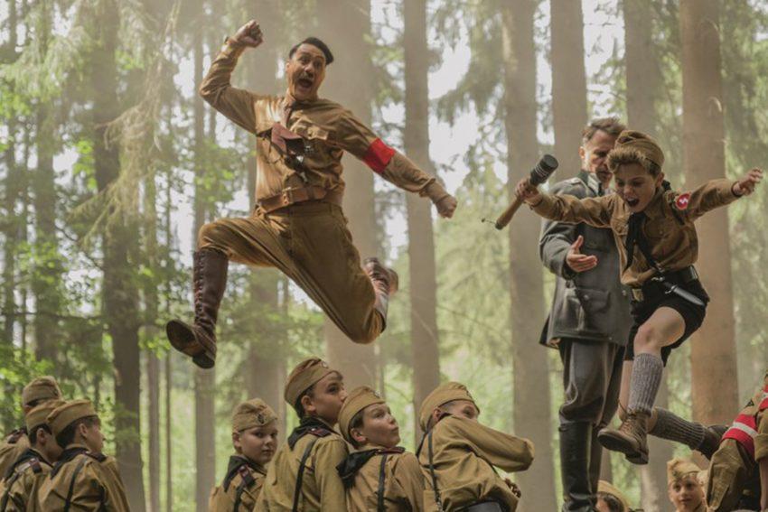 Das vhs-Filmforum zeigt die Kriegs-Satire - Jojo Rabbit.