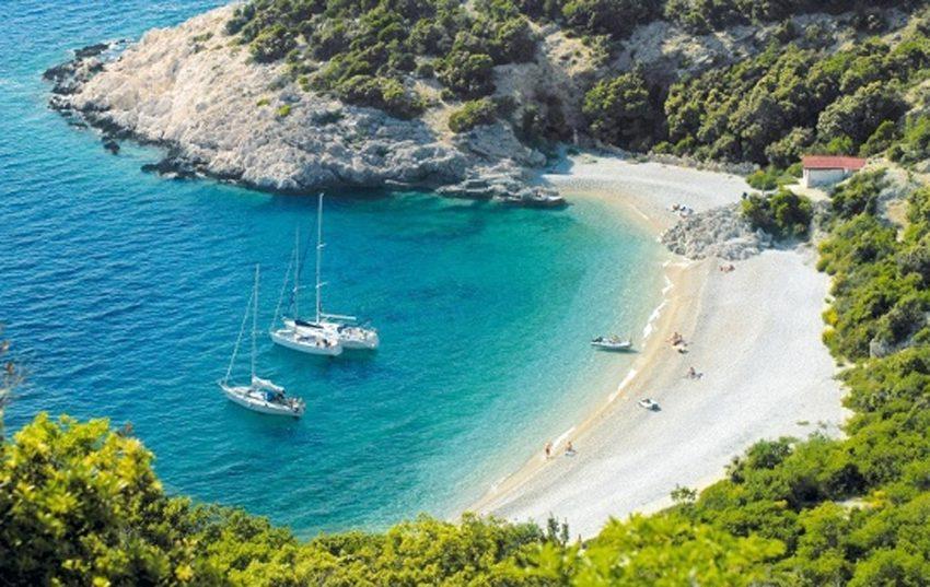 Kroatien - das kleine Land an der Adria ist aufgrund seiner Küste und zahlreicher Inseln bei Touristen beliebt.