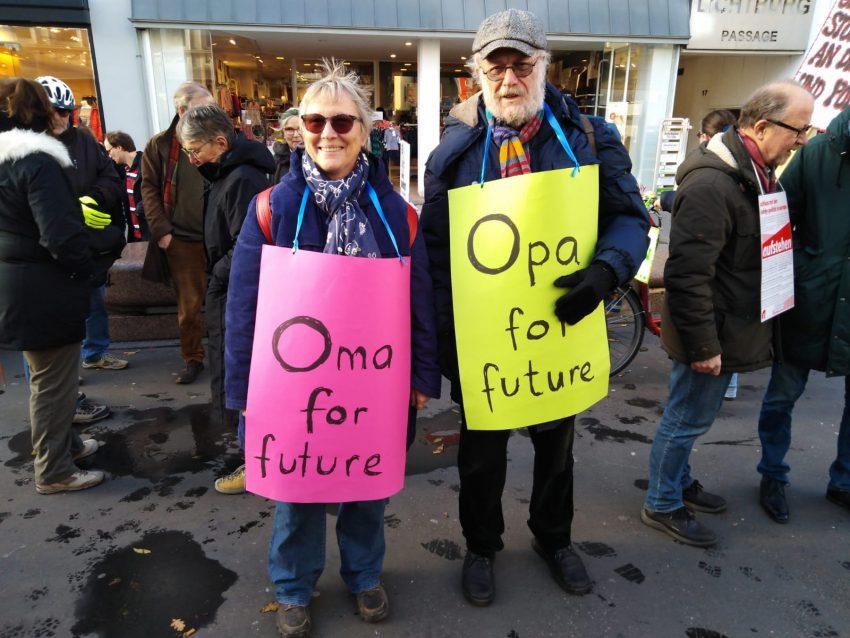 Omas und Opas for future am 29. November auf der Herner Bahnhofstraße