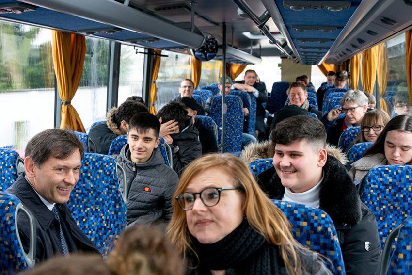 Im Bus mit dem Oberbürgermeister.