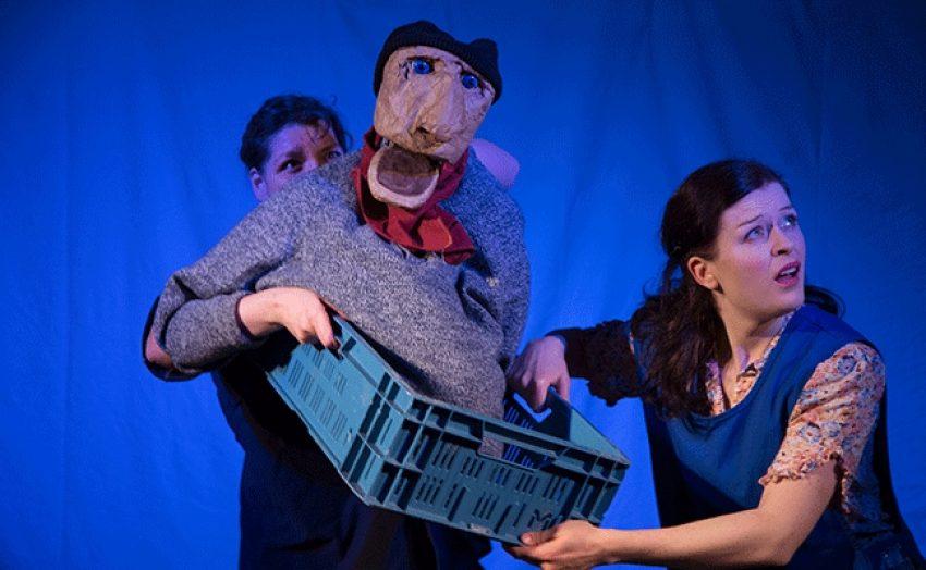 Das Red Dog Theater bringt den Fischer und seine Frau mit nach Strünkede.