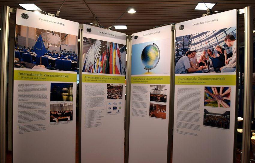 Die Ausstellung Der Deutsche Bundestag in der VHS im Kulturzentrum.