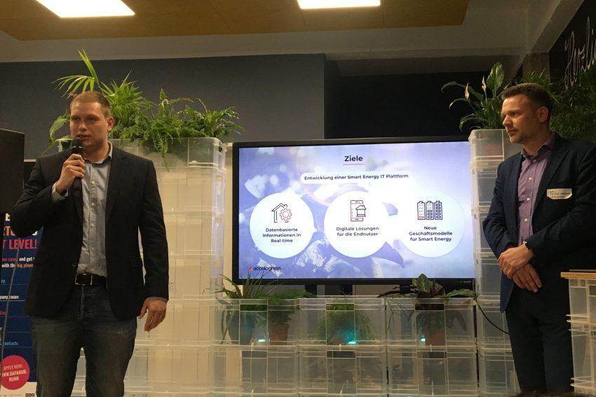 v.l. Daniel Lampa, Digitalisierungsmanager bei den Stadtwerken Herne, Dr. Ralf Kernchen, Geschäftsführer des englischen Start-up accelogress.